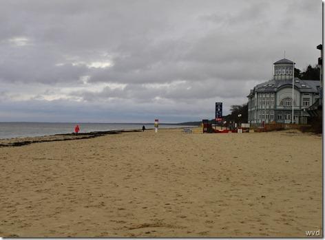 Strand aan de Golf van Riga in Jurmala, Letland