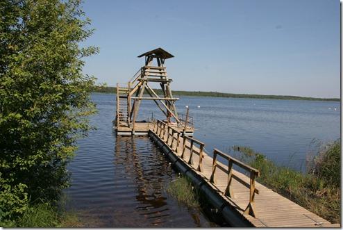 Uitkijktoren voor vogelwaarneming, Meer van Sloka in Kermeri