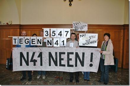 Protesteerders tegen N41 in provinciegebouw