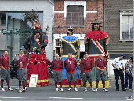 De reuzen Indiaan, Mars en Goliath samen met de pijnders
