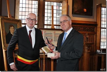 Burgemeester Piet Buyse en Duits ambassadeur Eckhart Cuntz (rechts)