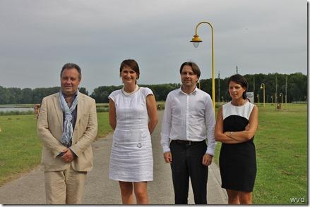 Kris Verwaeren (l), Leentje Grillaert, Bart Deschamps, Sien Vermander (r)
