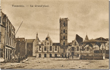 Dendermondse Grote Markt met stadhuis - 1914
