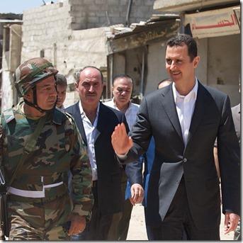 Bashar al Assad -  Met soldaten