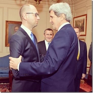 John Kerry en Jatseniuk