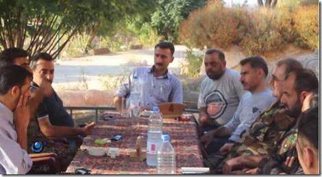 YPG, met Sipah Hamo, chef generale staf, en leden van het Vrij Syrische Leger met Abdul Jabbar al Aqidi