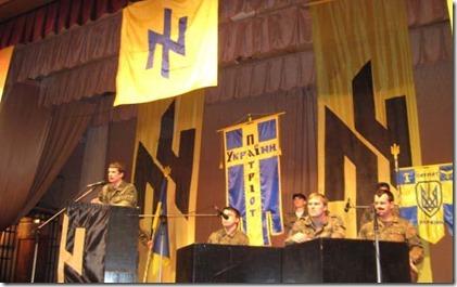 Andriy Biletsky tijdens tweede partijcongres van de Patriotten van Oekraïne, Kharkov, 12 April, 2008