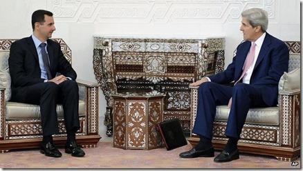 Bashar al Assad en John Kerry in 2010