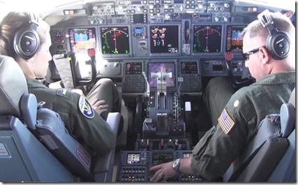 Cockpit Amerikaans gevechtvliegtuig vliegend over de Zuid-Chinese Zee
