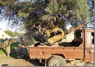 Bherlin Gildo - Zweeds lid al Nusra met wapens - 2