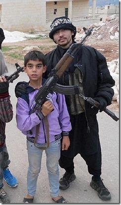 Bherlin Gildo - Zweeds lid al Nusra met wapens en kinderen