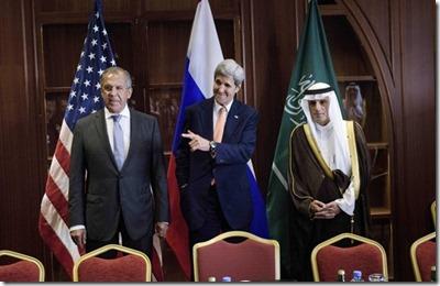Sergei Lavrow, John Kerry en Adel al Jubeir in Doha - 3 augustus 2015