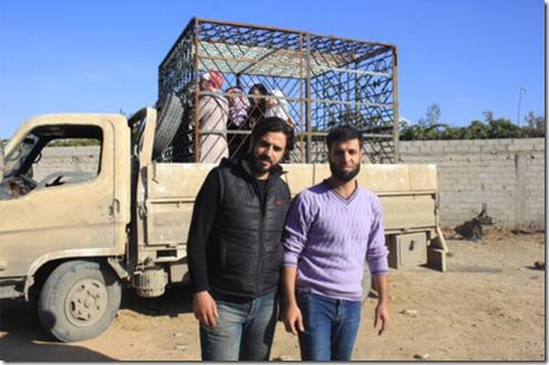 Alawiten vrouwen - in kooien - Oost-Ghouta - 2 - 1-11-2015