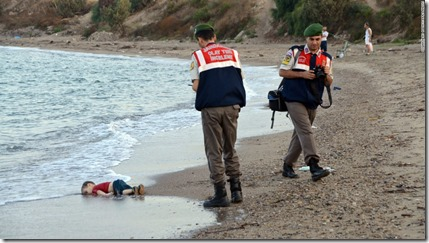 Kind op de vlucht - dood op Turks strand - Oktober 2015