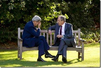 John Kerry met Sergeï Lavrow, minister van Buitenlandse Zaken van Rusland - 14-10-2014 - Parijs
