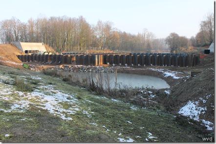 Ontsluitingsweg nieuwe gevangenis, onafgewerkte sluis en brug