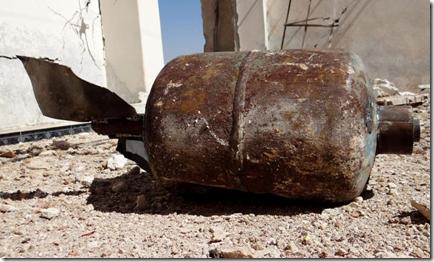 Jihadbom als vatenbom met napalm - The Guardian - Oktober 2015