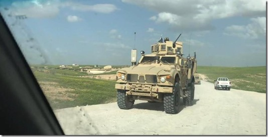 Amerikaanse pantserwagen in Manbij - April 2018