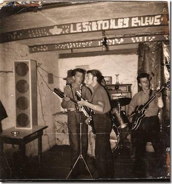 Repetitie 1964 - Kruisstraat - Baasrode - Emiel Van Damme (rechts), Fons Vermorgen en (links) Cesar van Keer