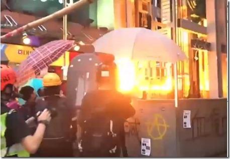 Brandbommen tegen gebouw Hongkong - oktober 2019