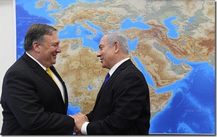 Benjamin Netanyahu en Mike Pompeo