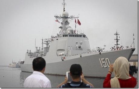 Chinees oorlogschip op bezoek in Iran - Bandar Abbas