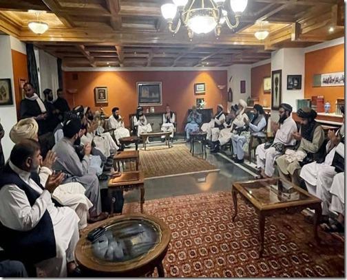 Taliban in vergadering
