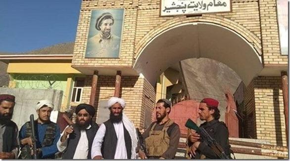 Pansjir- Taliban bij het paleis van de gouverneur - 6 september 2021